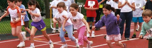 gyerekek_futnak